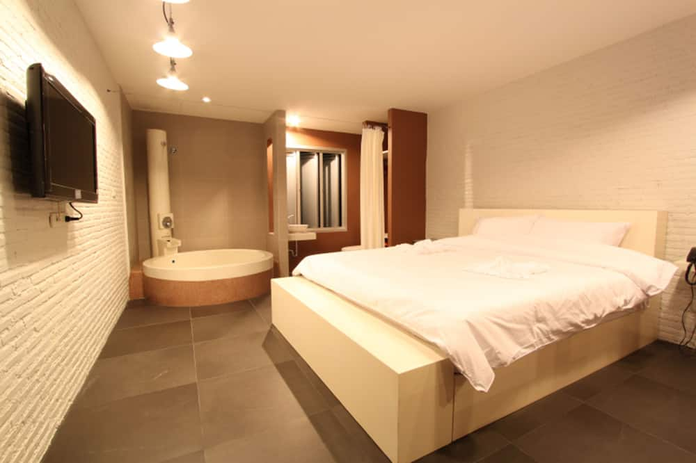 Deluxe  - Guest Room