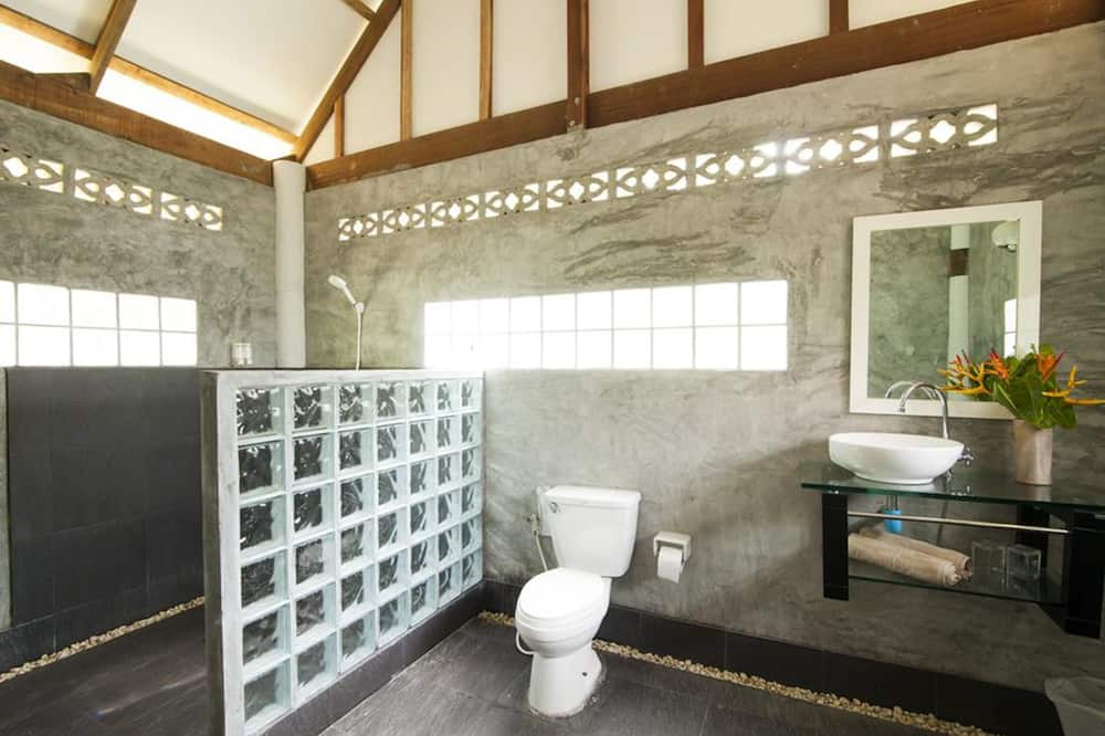 Grand Deluxe Bungalow with Sea View  - Bathroom