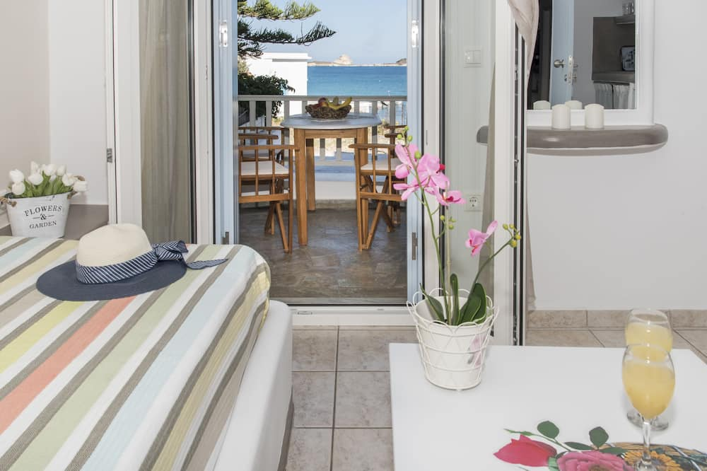 Apartment, 2 Bedrooms, Sea View, Ground Floor - Living Area