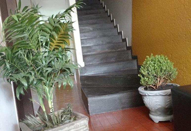 Hotel Roma, Itabira, Staircase