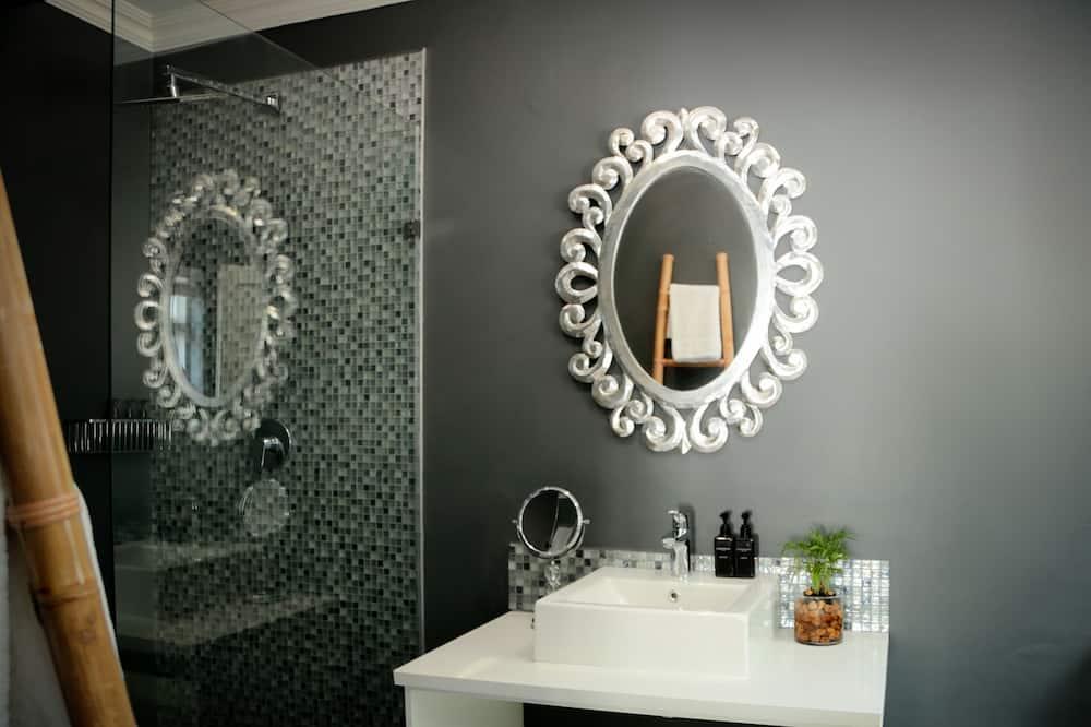 Double Room (King)  - Bathroom