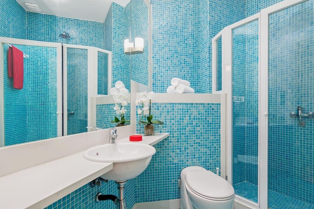 Deluxe Apartment, 2 Bedrooms, Kitchen, City View - Bathroom