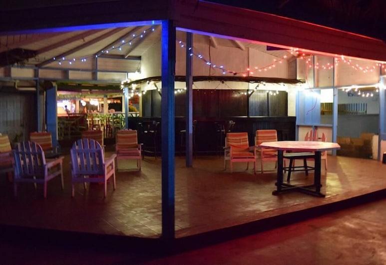 The Clifton Hotel, Union Island, Hotel Bar