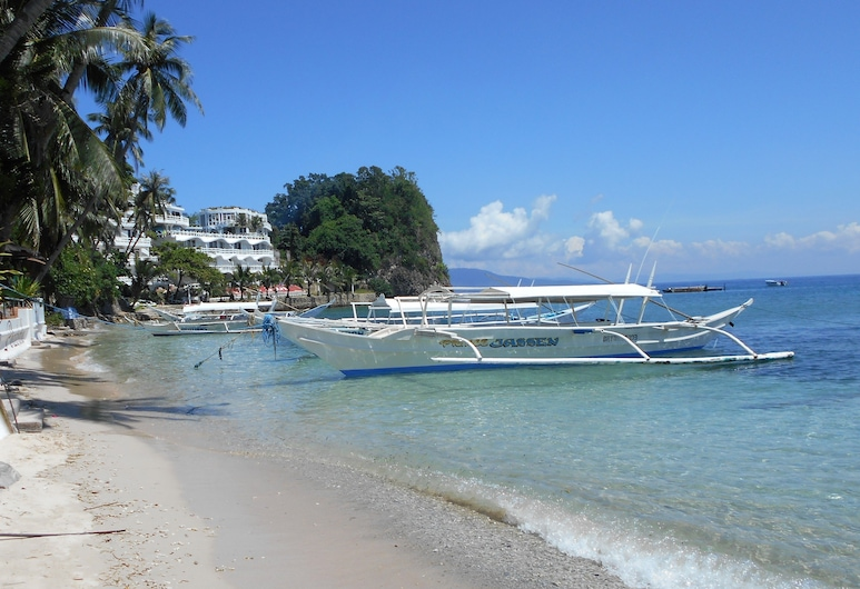 Out of the Blue Resort, Puerto Galera, Beach