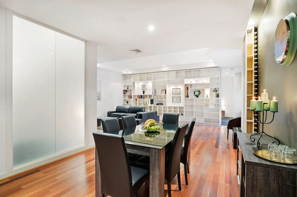 Business Apartment, 2 Bedrooms - In-Room Dining