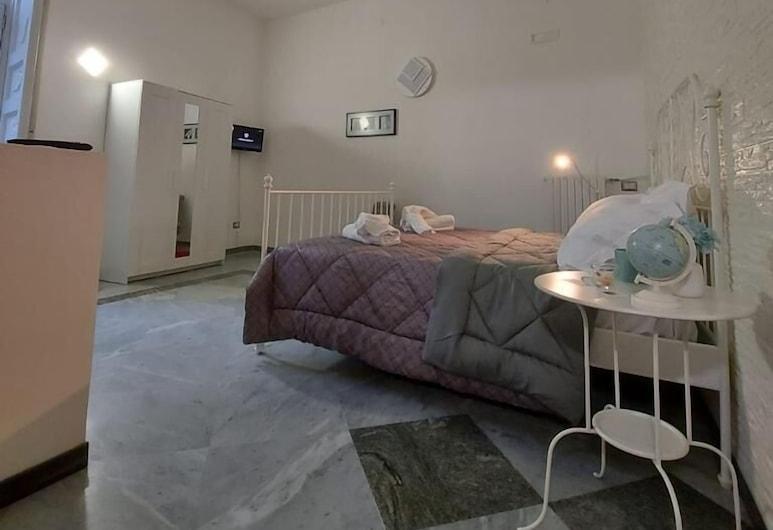 Le Ginestre in Centro, Salerno, Tripla Basic, bagno privato, Camera
