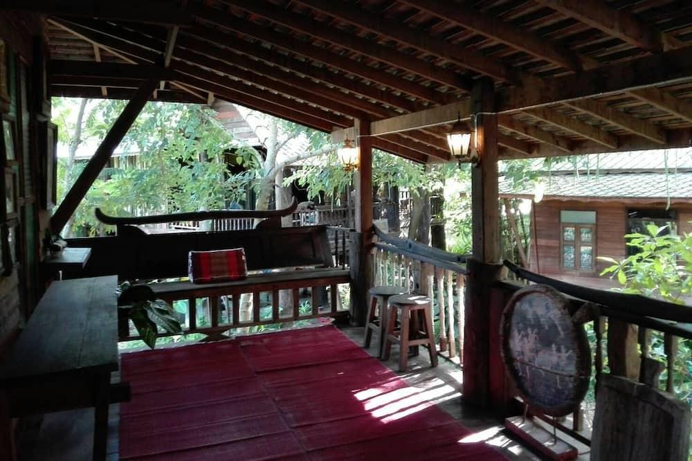 Thai Traditional House 2  - Parveke