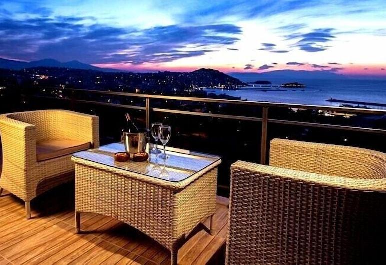Demir Suit Hotel, Kuşadası, Teras/Veranda