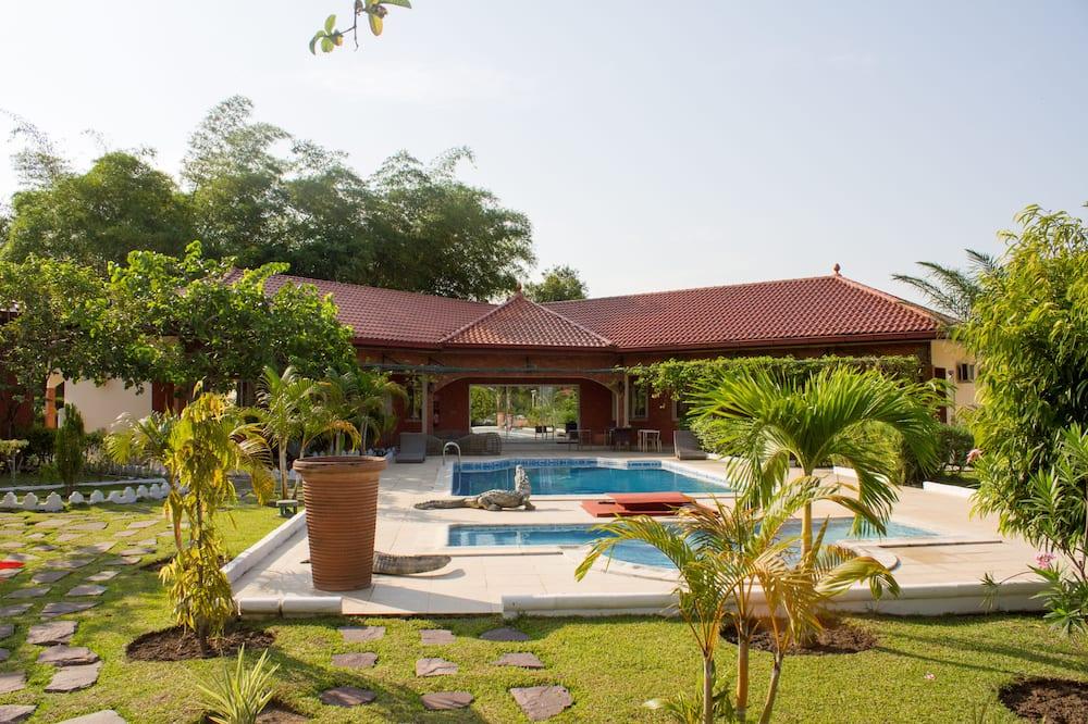 Deluxe villa, 3 slaapkamers, uitzicht op zwembad - Buitenzwembad