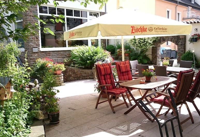 Haus Hohenzollern, Bad Bertrich, Outdoor Dining