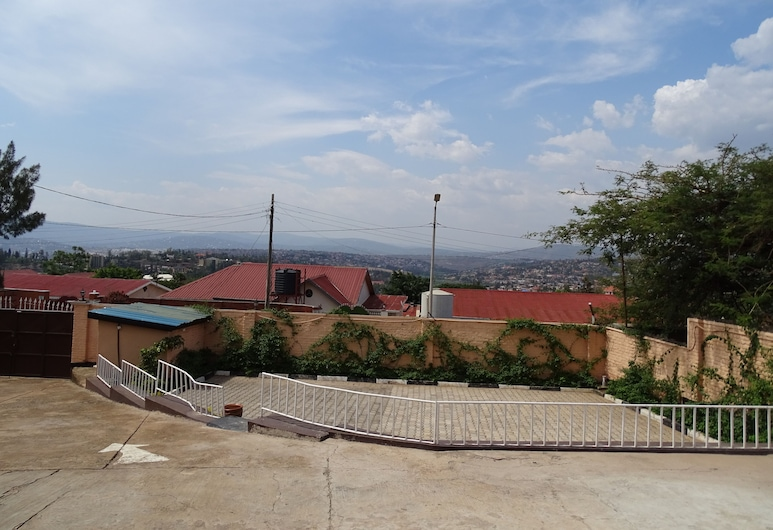 Remera Modern Guesthouse, Kigali, Property Grounds