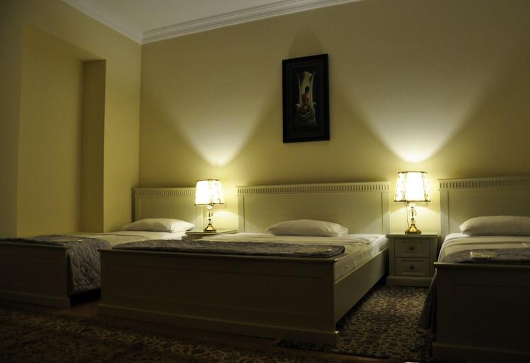 クラウン ホテル, クタイシ, スタンダード 4 人部屋, 部屋