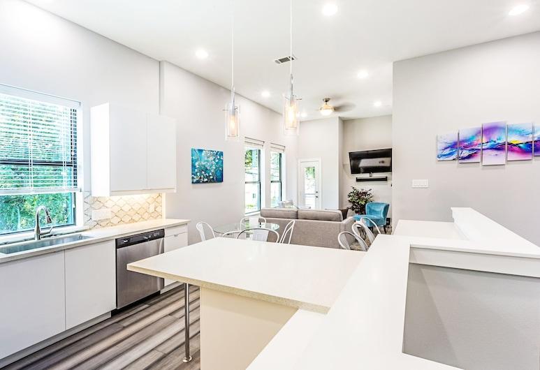 Montrose Guesthouse Suites, Houston, Premier-Haus, Mehrere Schlafzimmer, Terrasse, Executive-Etage, Wohnbereich
