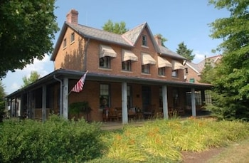 Picture of Inne at Watson's Choice and Harvest House B&B in Uniontown