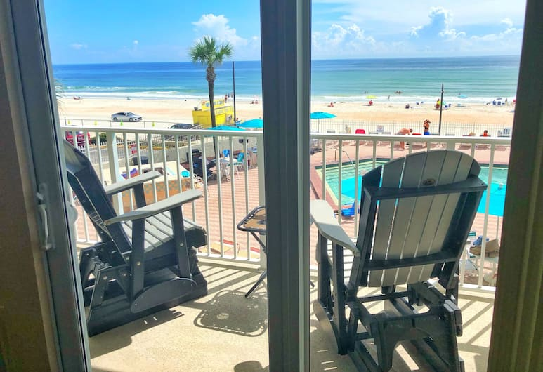 Beach Front Studios in Daytona Beach, Daytona Beach, Exclusive Apartment, Kitchen, Ocean View, Beach/Ocean View