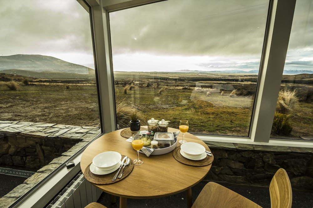 Studio, Mountain View (SkyBed) - In-Room Dining