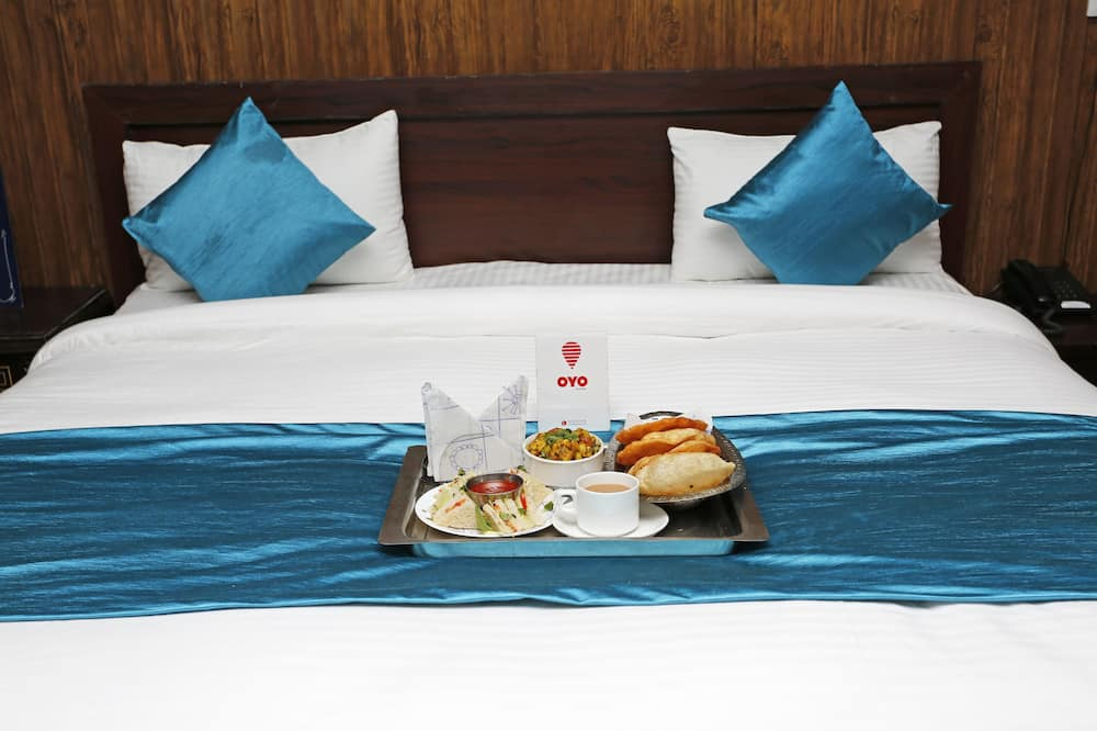 Standard Double or Twin Room, 1 Double Bed, Private Bathroom - Room Service – Dining