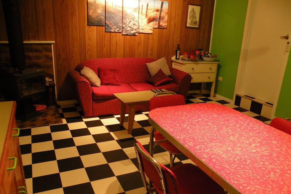 House, 2 Bedrooms - Ruang Tamu