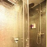 Double Room, No Windows - Bathroom Shower