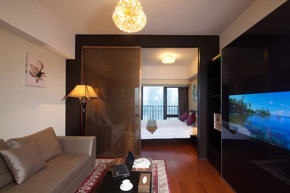Double Room, River View - Living Area