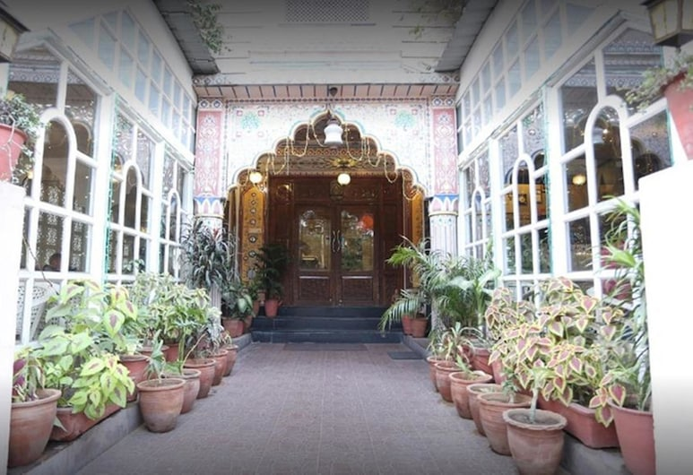 Ratan Niwas, Jaipur, Hotel Entrance