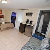 Economy Studio, Multiple Beds, Kitchenette, Garden Area - Living Area