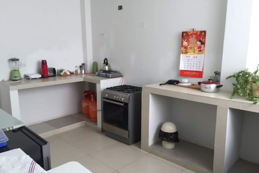 Family Apartment, Non Smoking - Private kitchenette