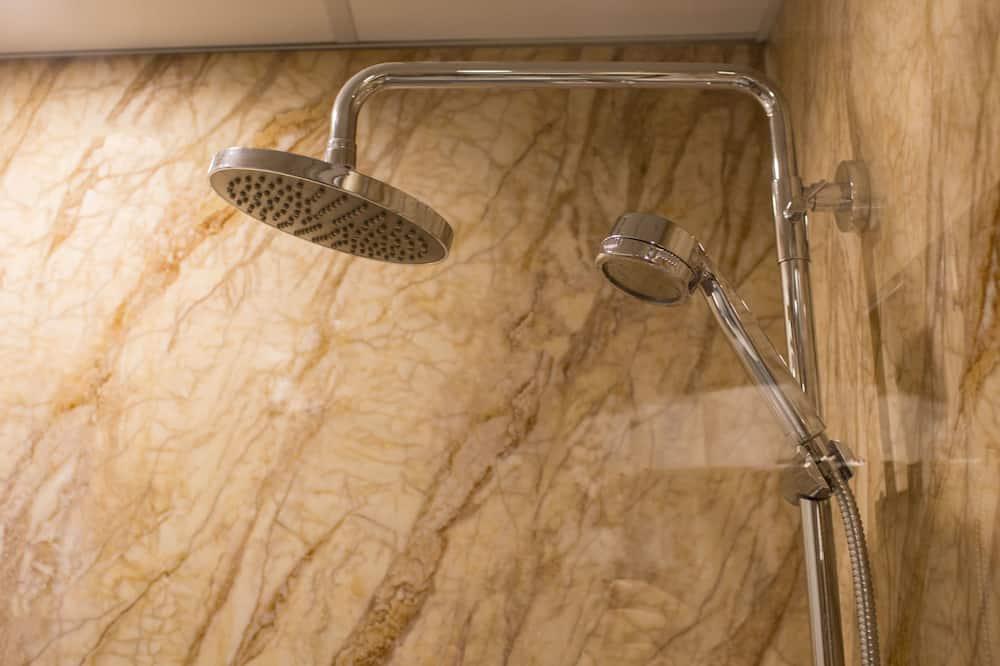 Superior Double Room, 1 Queen Bed - Bathroom Shower
