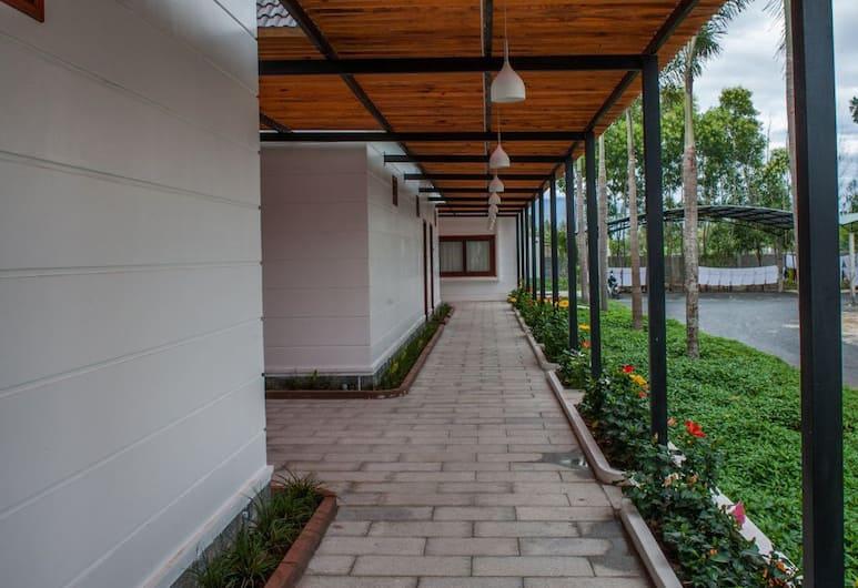 Khách sạn Triều Khang, Cam Ranh, Khuôn viên nơi lưu trú