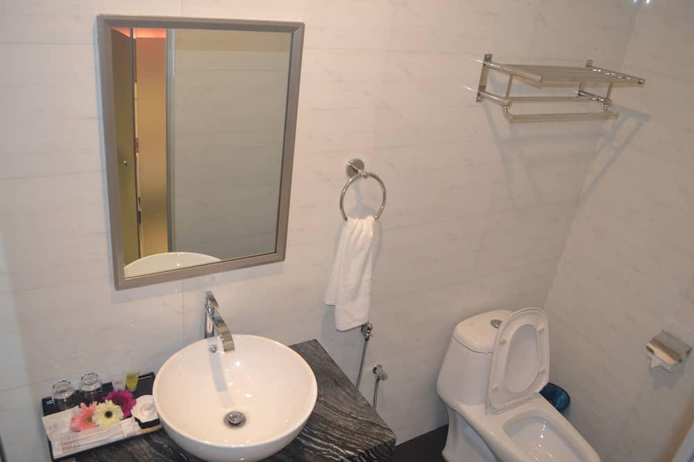 Camera Standard, 1 letto queen, senza finestre - Dotazioni del bagno
