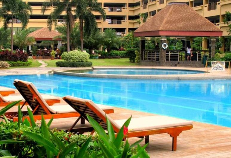 Perfil Vacation Rental, Mandaluyong, Outdoor Pool