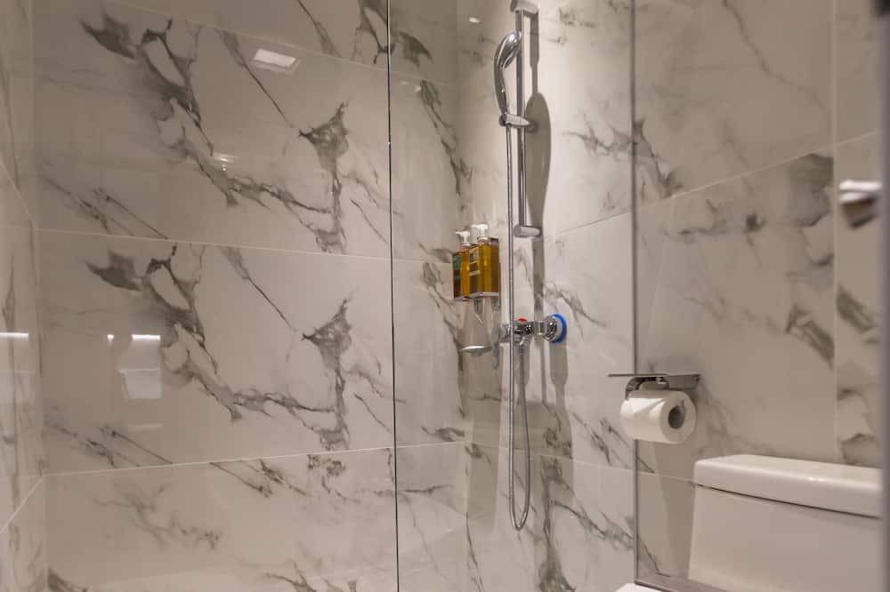 雙人房 (18:00入住中午12:00退房) - 浴室