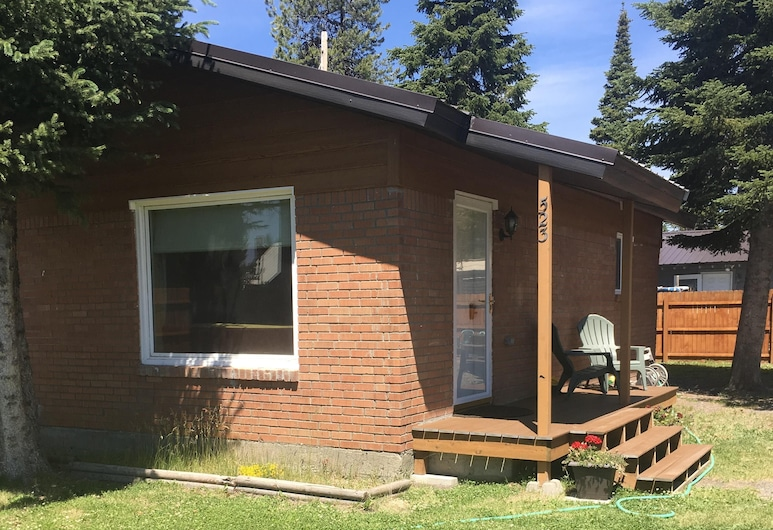 Firehole Cottage ~ Cozy Home To Visit With The Comforts & Privacy Of Your Own, West Yellowstone