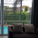 Standard Double Room with Pool View  - Zimmer