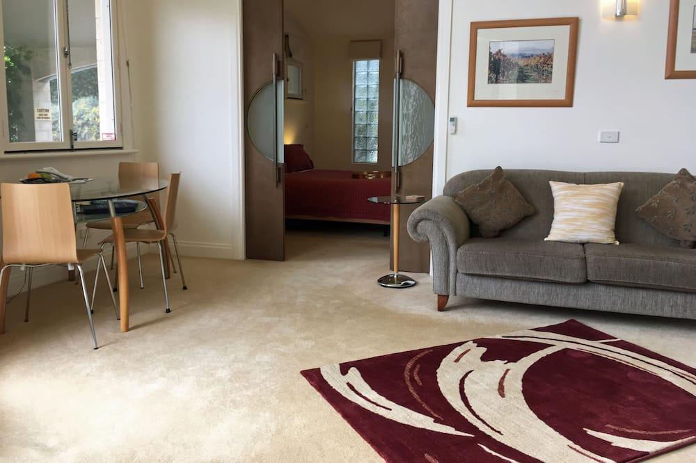Melba Suite  - Living Area
