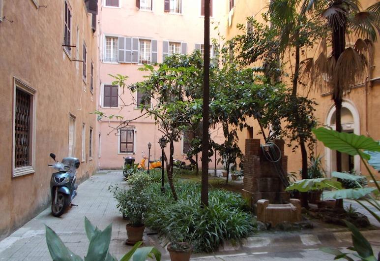 熱情尼祿民宿, 羅馬, 庭園