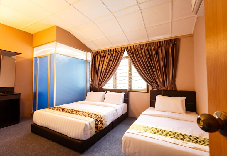Rainforest Budget Stay, Kuching, Family Room (Deluxe), Guest Room