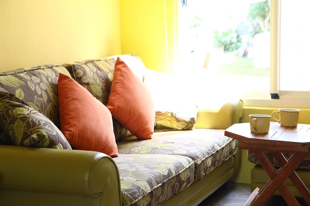 Familien-Vierbettzimmer, 2Queen-Betten, Meerblick, Meerseite - Wohnbereich