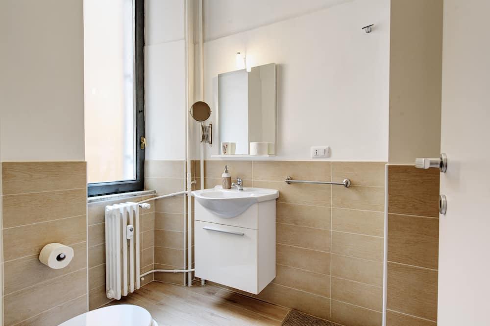 Τετράκλινο Δωμάτιο - Bathroom