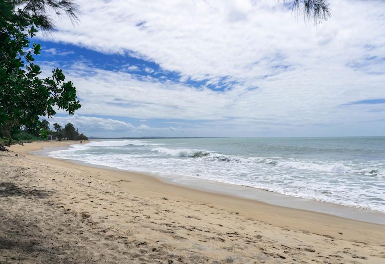 卡勒富爾酒店, 桑巴瓦, 海灘