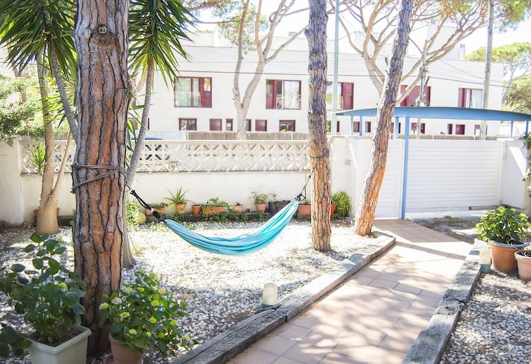 Paradise Inn, Castelldefels