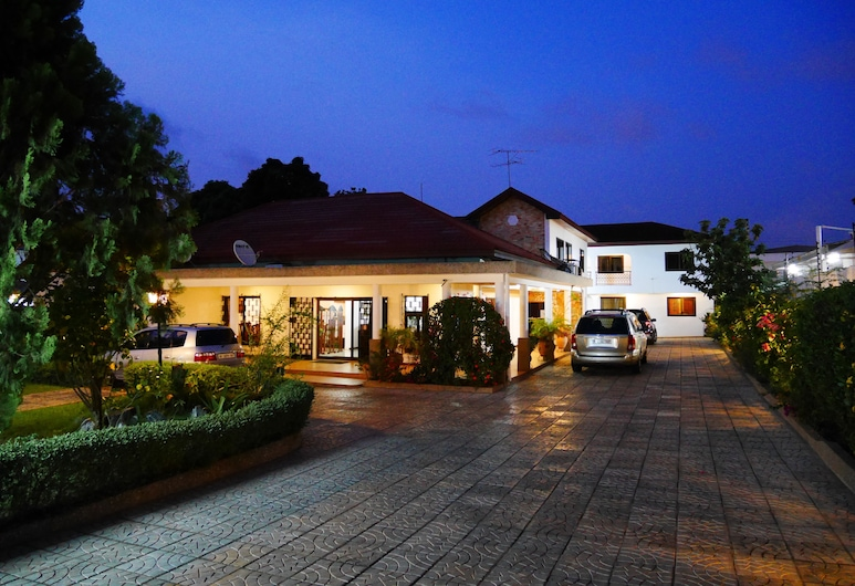Lavender Lodge Hotel, Accra, Hotel Front – Evening/Night