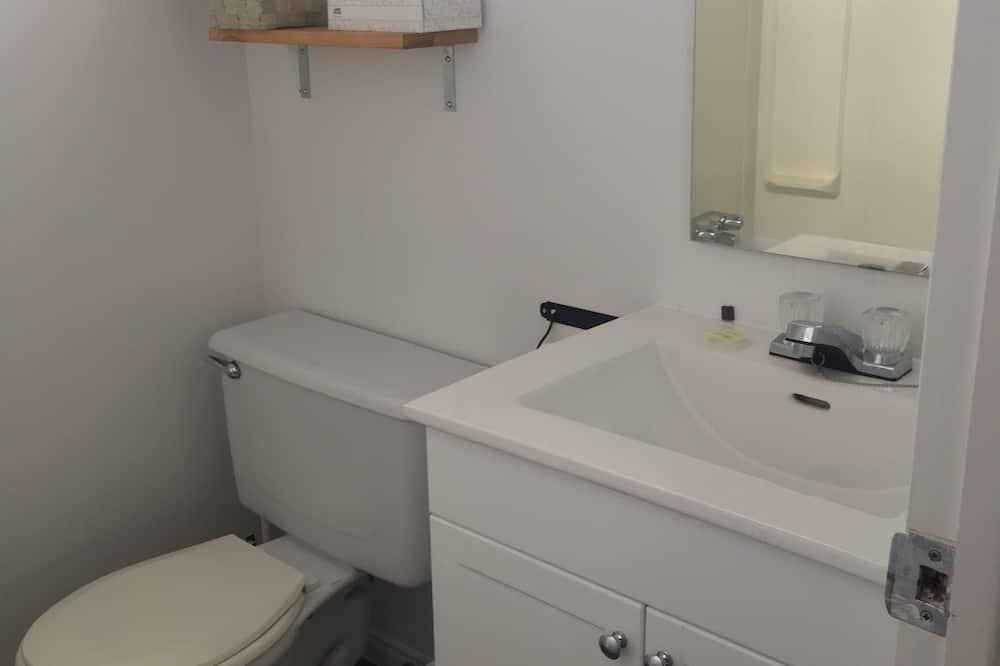 Standard-huone, 1 keskisuuri parisänky - Kylpyhuone