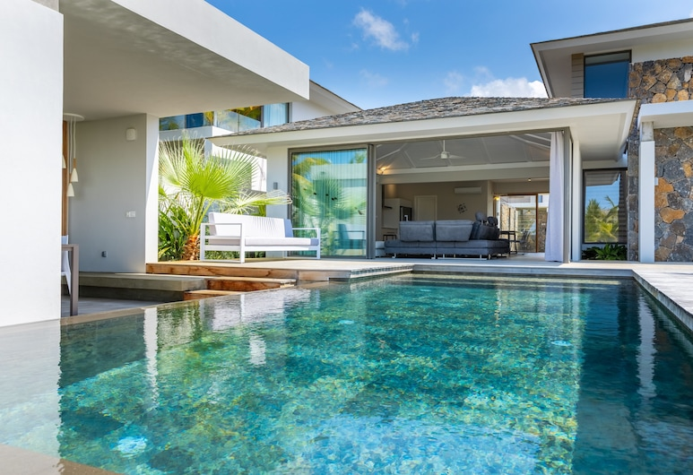 Azuri Residences by Life in Blue, Roches Noires, Pool