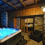 Luxury Apartment, 2 Bedrooms - Private spa tub