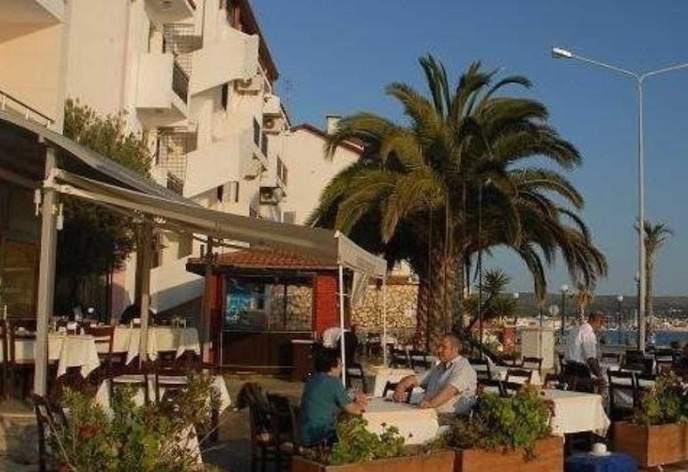 Kerman Hotel, Çeşme, Açık Havada Yemek