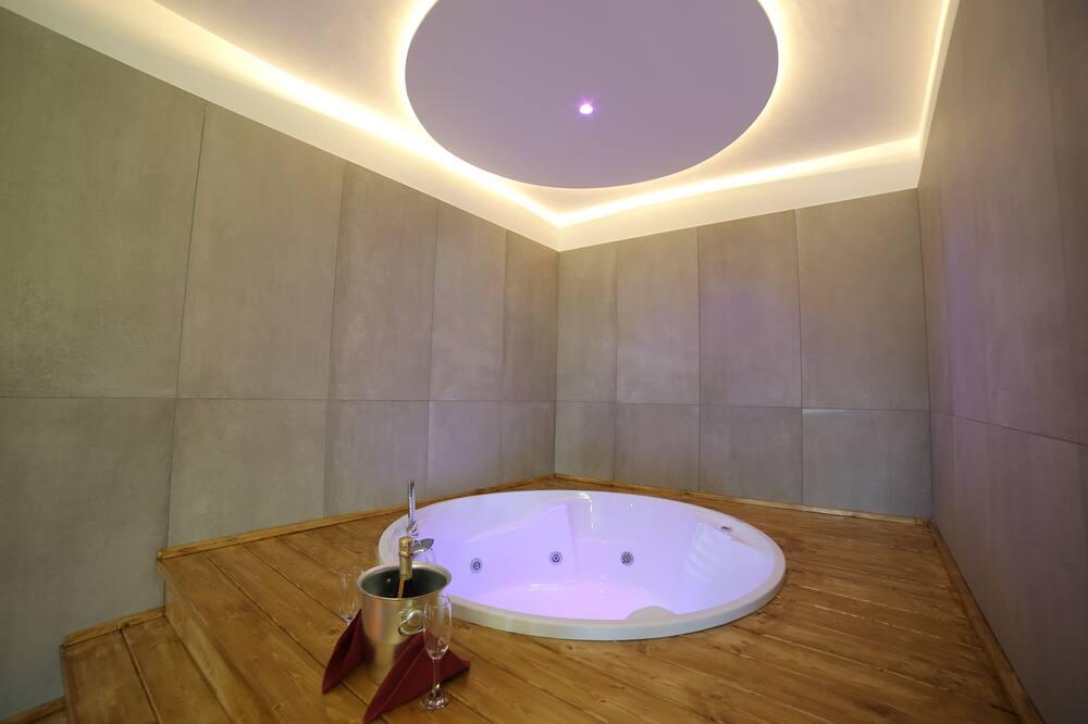 Luxusní apartmá, vířivka - Vířivka