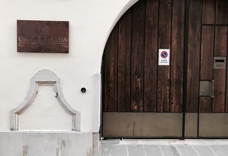 Olympus Capua, Capua, Hotel Entrance