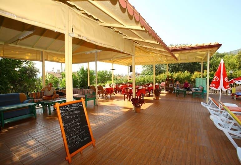 Villa Turk Apart Hotel, Fethiye, Açık Havada Yemek