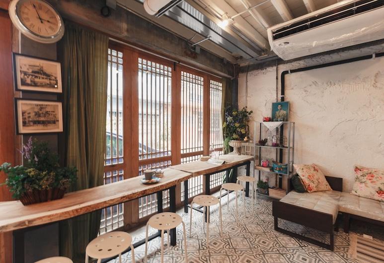 Nivas Siam Hostel, Μπανγκόκ, Καθιστικό στο λόμπι